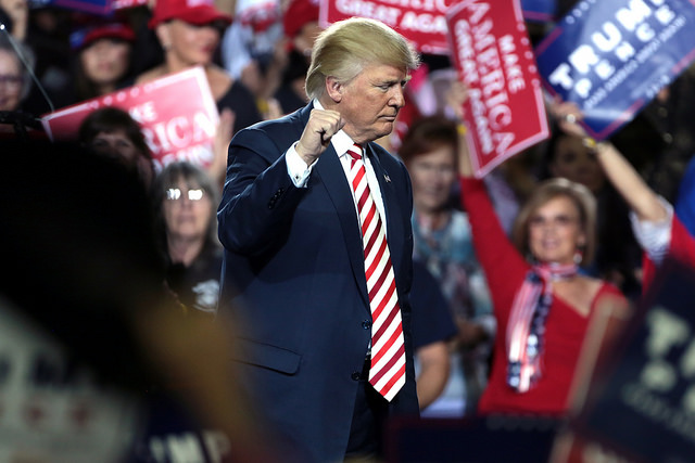 Trump at Prescott rally 4